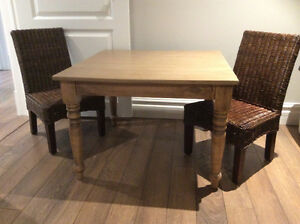 CHILDS Table & 2 Chairs