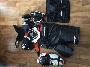 Équipement hockey état neuf porter seulement 2fois