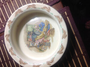 VINTAGE DRESS UP DOULTON BUNNYKINS HEAVY LIPPED CEREAL BOWL