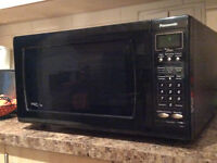 PERFECT CONDITION PANASONIC INVERTER MICROWAVE OVEN 1200 WATTS