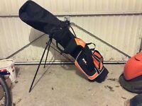 Dunlop junior half golf set and bag.