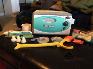 Easy bake oven and decorating tool