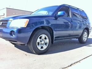 2004 TOYOTA HIGHLANDER LTD ONE OWNER LIKE NEW