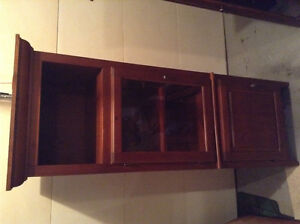 BEAUTIFUL TALL CABINET HUTCH