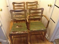 4 wood chair in good condition (cover need to be change)