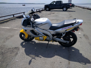 Yamaha YZF600R a vendre/for sale