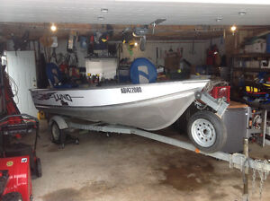 Lund WC 14 Deluxe fishing boat, 20 Hp Yamaha 4 stroke.