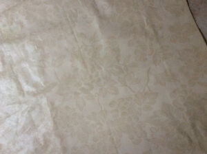 Flannel Backing Beige Table Cloth Cambridge Kitchener Area image 2