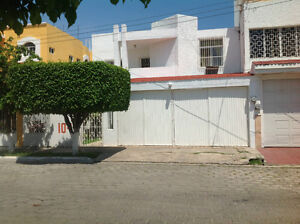 BEAUTIFUL AND NICE HOUSE!! WELL LOCATED, GREAT DEAL-LOMAS DE MZT