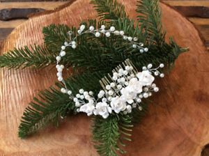 Wedding Headpiece w. Flowers - Bride to be or special occassions