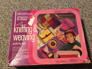 Deluxe Knitting & Weaving Activity Set Cambridge Kitchener Area image 3