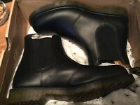 Brand New Dr Martens a Chelsea Boot size 11