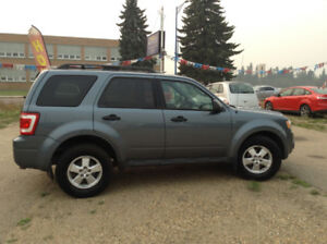 2011 Ford Escape XLT 2.5L WINTER TIRES / REDUCED/