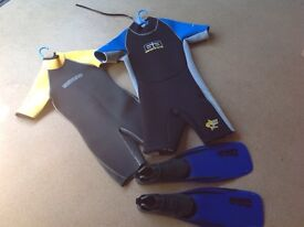 Junior wet suit and size 5-6 flippers