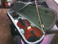 Violin 1/4 size case wax violin bow £30 like new