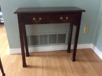 Elegant Hall Table with 2 Drawers
