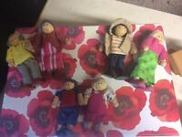Wooden Doll's House Doll Family 6 (set1)