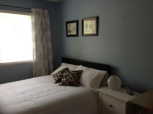 Beautiful Fleetwood room available June 1st