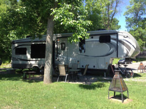 fifthwheel 2014 Montana High Country, comme neuve  SUPER ACHAT