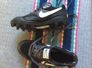 Boys Cleats size 8.5