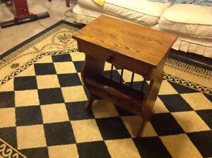 Oak end table/magazine rack
