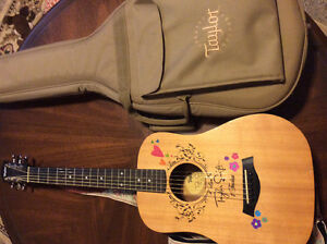 Guitar-Taylor (baby size)