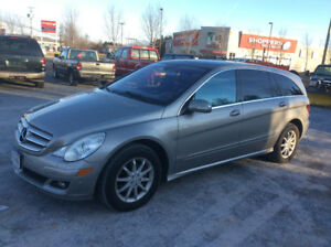 2006 Mercedes 500R AWD , 160 kms, June MVI, 6 pass, $6000.