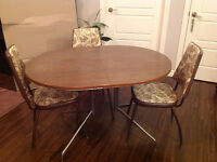 Table set with 3 chairs for sale