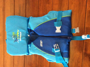 FS: Toddlers swim vest