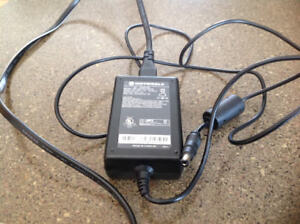 COMPUTER ADAPTOR CHARGER