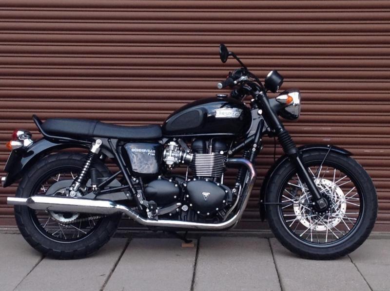 Triumph Bonneville T100 Black 865cc 2014 Only 7099miles Delivery