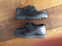 Kids Kangol shoes size 7