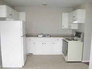 BRIGHT 3 BEDROOM SUITE ON QUINCE