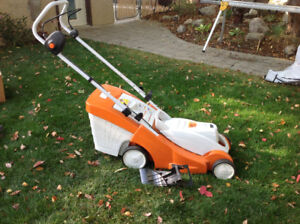 Stihl RMA 370 mower with battery and charger