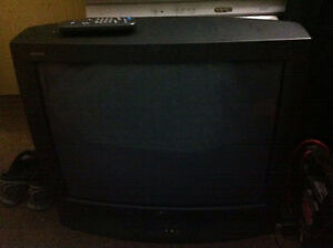 Zenith TV 27 inches with Factory remote excellent