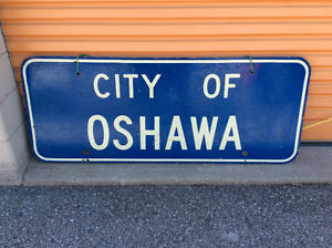 """Vintage ready to hang """"CITY OF OSHAWA"""" highway wooden sign !"""