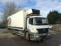 MERCEDES BENZ AXOR 2529 DAY 6X2 GRAY & ADAMS FRIDGE WITH T/LIFT