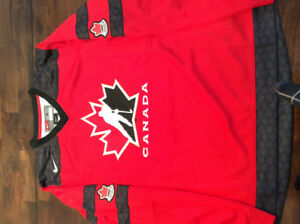 Women's Nike Red Hockey Canada – Team Replica Jersey — Size L