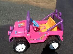 KIDS BATTERY POWERED JEEP -BARBIE EDITION