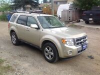 2011 Ford Escape Limited SUV, **only 14,749 km, not typo**