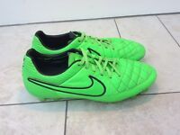 Nike Tiempo legend 5, size 6.5, includes string bag