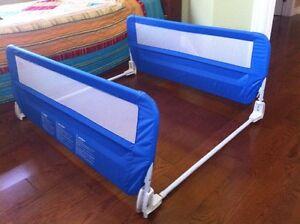 Barrière de lit rabattable double