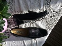 Italian new black flat shoes
