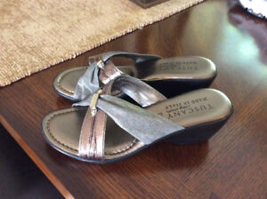 BRAND NEW SANDALS...SIZE 7