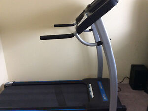 Horizon folding treadmill SC2250T