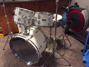 Pearl Drumset!