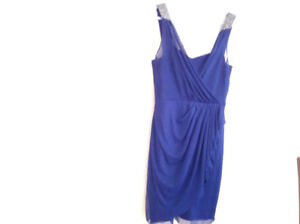 Le chateau blue prom dress in 10/10 excellent conditions size L
