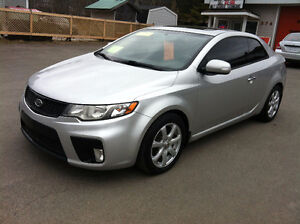 2010 KIA FORTE KOUP, LEATHER, MOONROOF, 832-9000 OR 639-5000