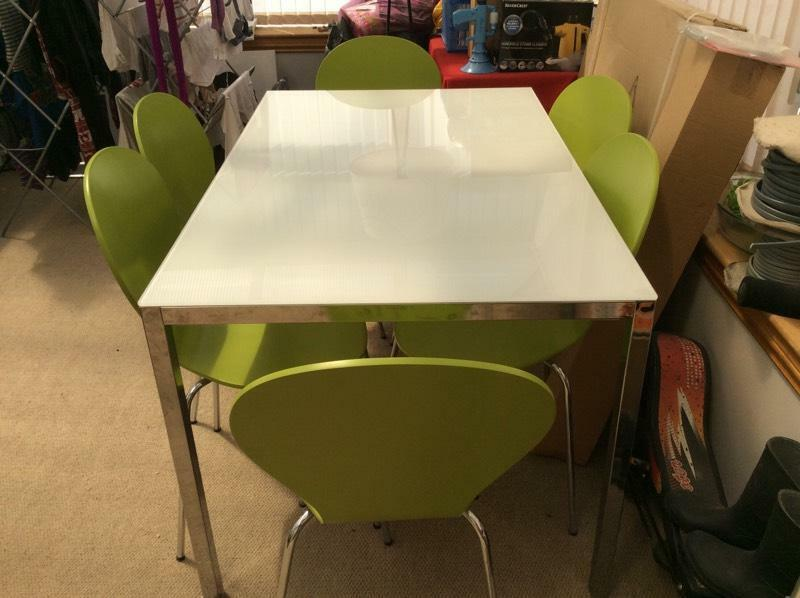 White dinning table and 8 chairs Buy sale and trade ads : 86 from dealry.co.uk size 800 x 598 jpeg 52kB