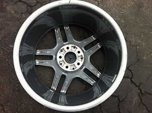 18'' Mercedes Benz Original Rim With TMPS For Sale